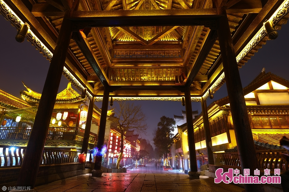 Photo taken on January 15 shows the night view of the ancient town of Taierzhuang in Zaozhuang, east China's Shandong Province.