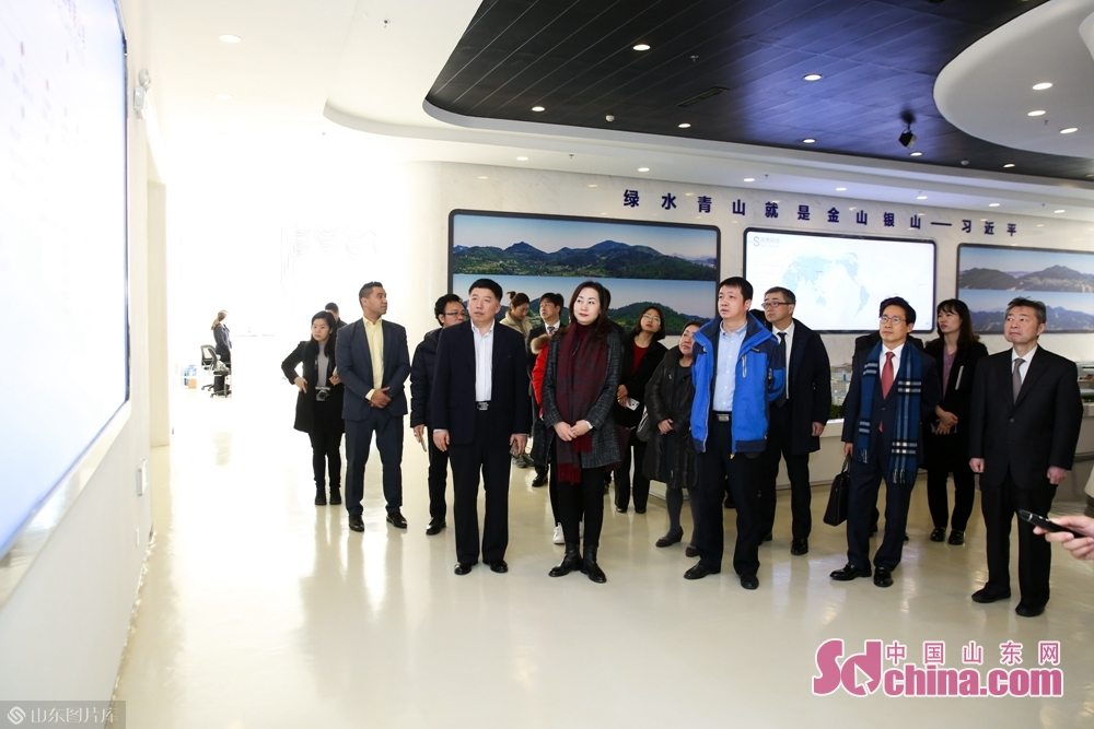 The delegation visited Wego Group in Weihai, which was founded in 1988 with medical equipment and drug production as its main business.<br/>