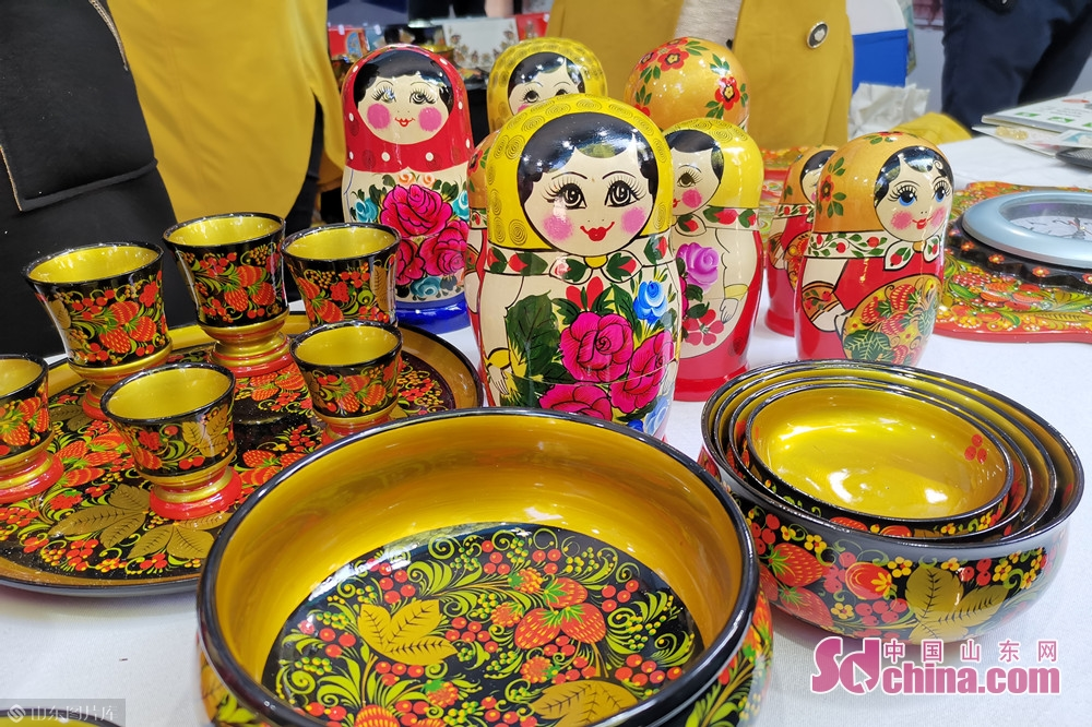 Photo taken on Oct. 15, 2019 shows the Matryoshka dolls at the Jinan International Sister Cities Commodity Expo in Jinan, East China&rsquo;s Shandong Province, The expo kicked off here on Tuesday.<br/>