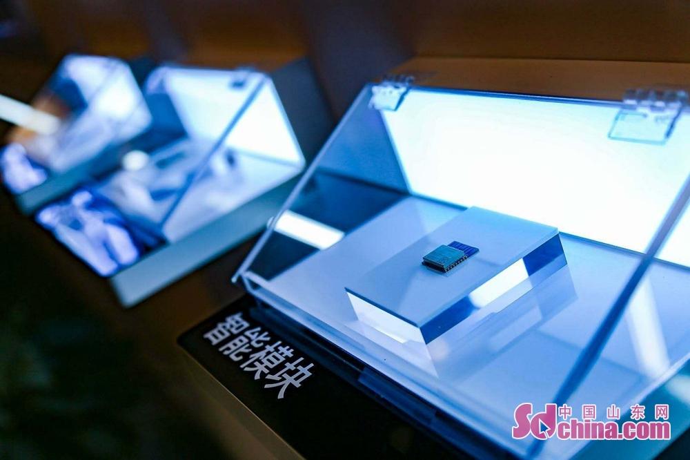 <br/>  海信是国内家电行业的领军者,电视市场占有率连续15年位居中国第一,出货量全球第四;冰箱产品市场占有率居中国第二;空调市场占有率居中国第五。<br/>