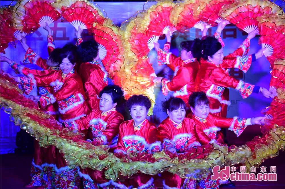 <br/>  2019年3月7日,山东省茌平县振兴街道宾王社区五里村庆三八文艺汇演现场。