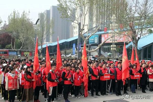 """丹阳街道办事处:""""红马甲""""已成为城区一道靓丽风景线"""