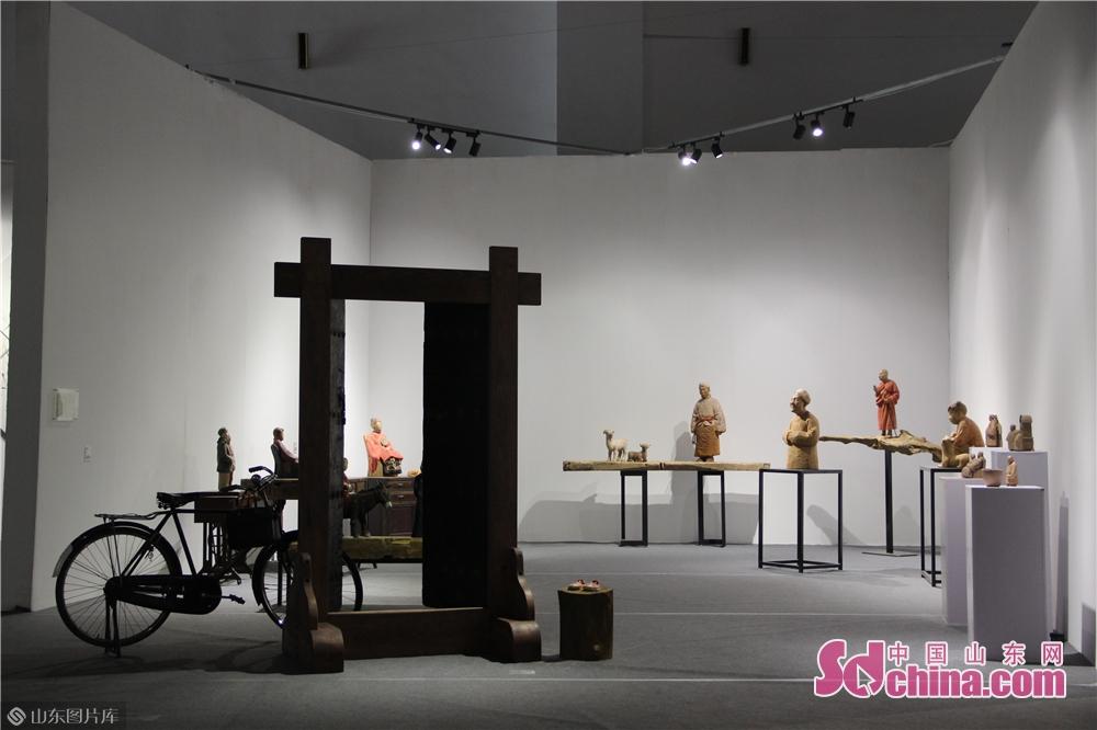 <br/>  参展作品以中国艺术家为主,同时设置俄罗斯、乌克兰、日本、韩国联展区域。<br/>