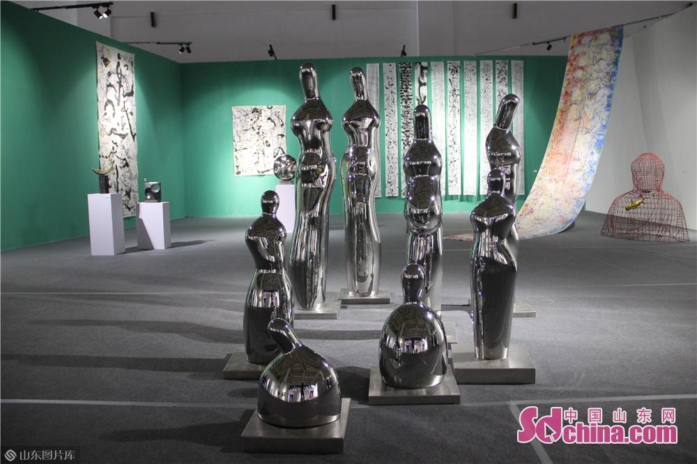 <br/>  本次展览秉承&ldquo;为人民服务&rdquo;宗旨,旨在通过对多元文化资源的转化、聚合和活化,为人民提供思想精深、艺术精湛、制作精良的文艺精品。<br/>