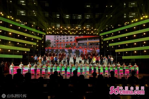 济宁市举行庆祝新中国成立70周年、纪念五四运动