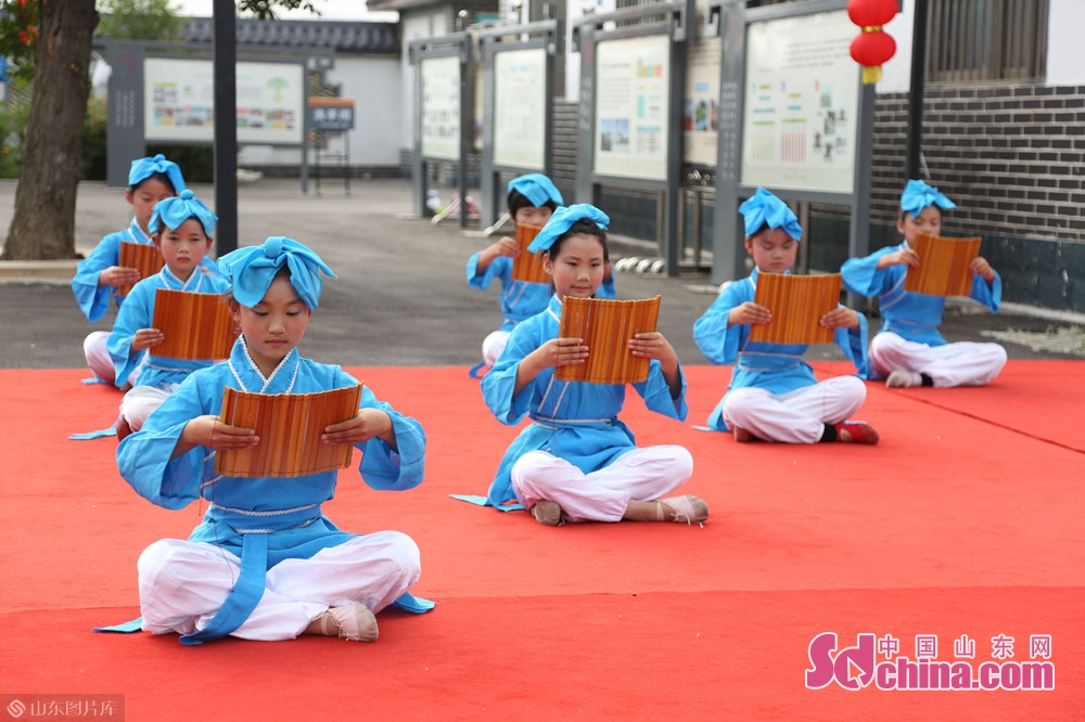 As the birthplace of Confucian culture, Shengyuan Village always takes it as its responsibility to carry forward excellent traditional culture. It often organizes cultural performances, Confucian festivals and many other cultural activities for the benefit of the people.<br/>