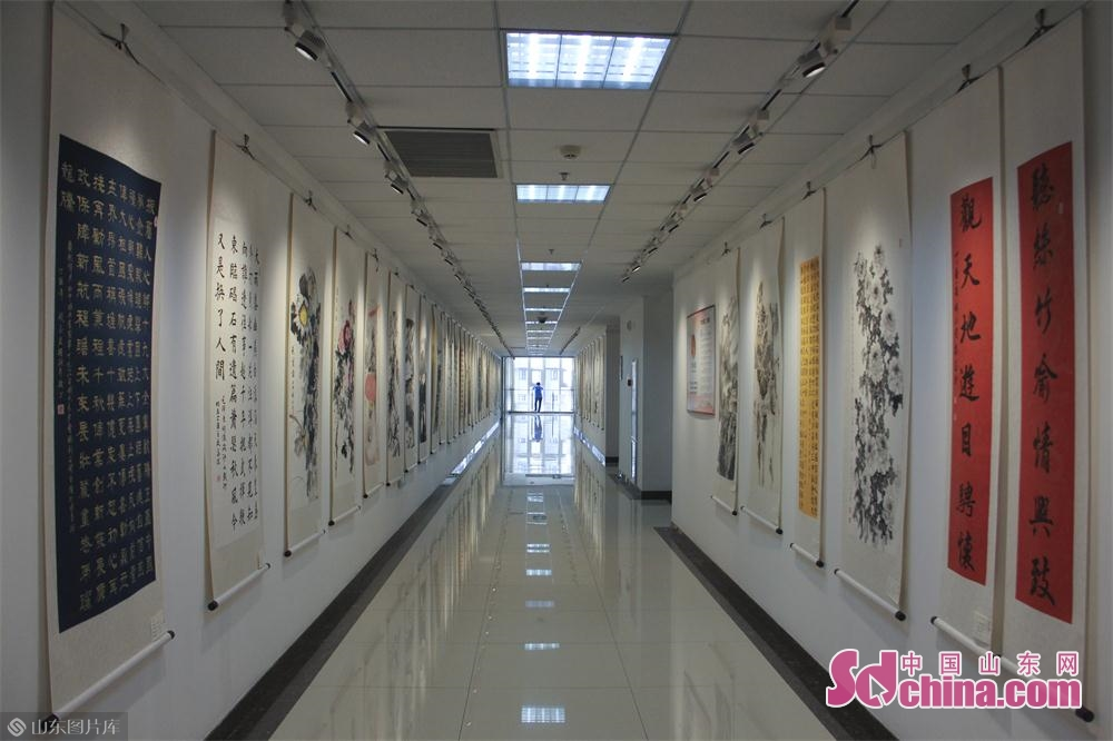 Photo taken on May 6, 2019 shows the calligraphy and painting works in Jinan, east China&amp;rsquo;s Shandong Province. An itinerant exhibition of 30 Chinese calligraphy and painting artists opened Monday morning to celebrate the 70th anniversary of the founding of the People's Republic of China.<br/>