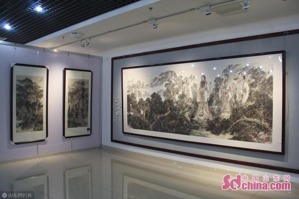Photo taken on May 6, 2019 shows the painting works in Jinan, east China&rsquo;s Shandong Province. An itinerant exhibition of 30 Chinese calligraphy and painting artists opened Monday morning to celebrate the 70th anniversary of the founding of the People's Republic of China.<br/>