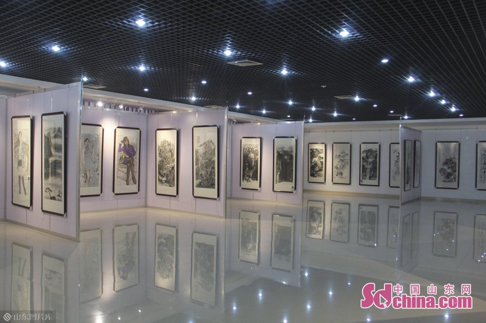 Photo taken on May 6, 2019 shows the painting works in Jinan, east China&amp;rsquo;s Shandong Province. An itinerant exhibition of 30 Chinese calligraphy and painting artists opened Monday morning to celebrate the 70th anniversary of the founding of the People's Republic of China.<br/>
