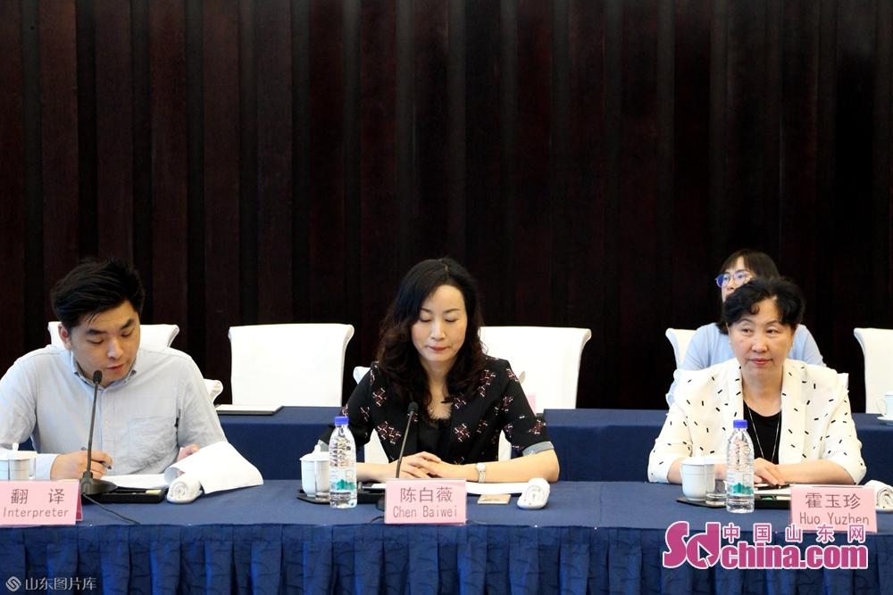 6月12日午前、中東欧16カ国記者交流座談会が済南で開催された。<br/>