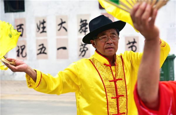 """汶上次丘镇孙口村有位近80岁的""""宝藏爷爷"""""""