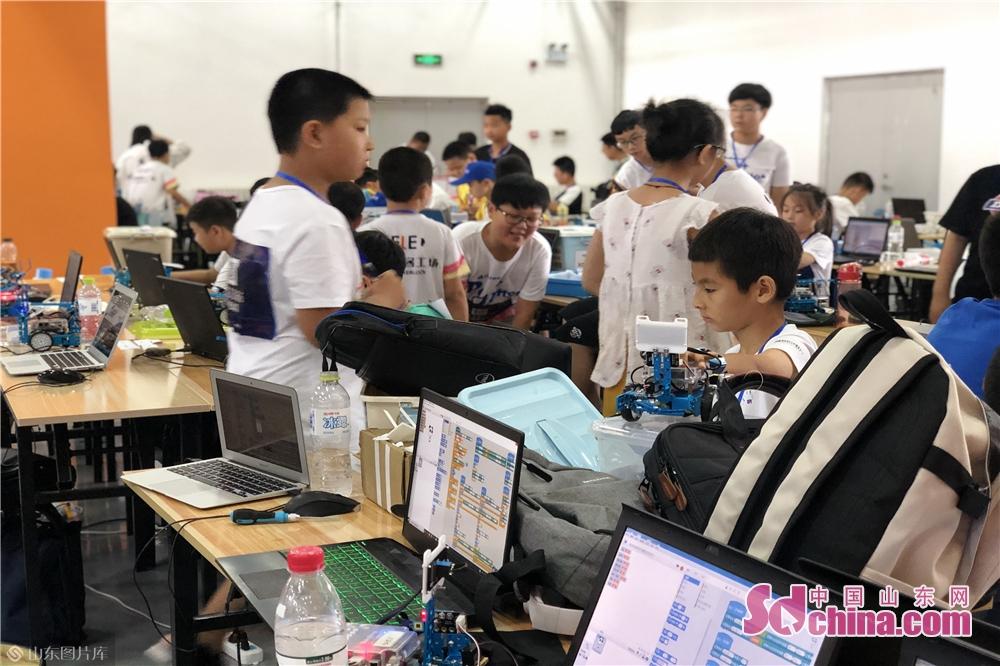 <br/>  2019年世界机器人大会将于2019年8月20-25日在北京亦创国际会展中心举行,使世界机器人大赛总决赛成为今夏最不容错过的科技赛事。