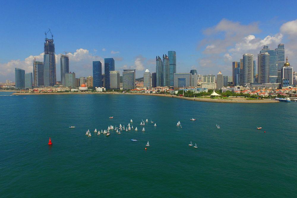 8月9日、青島国際ヨットウィーク・青島国際海洋祭りで開催された青年OP級国際ヨット競技だった。<br/>