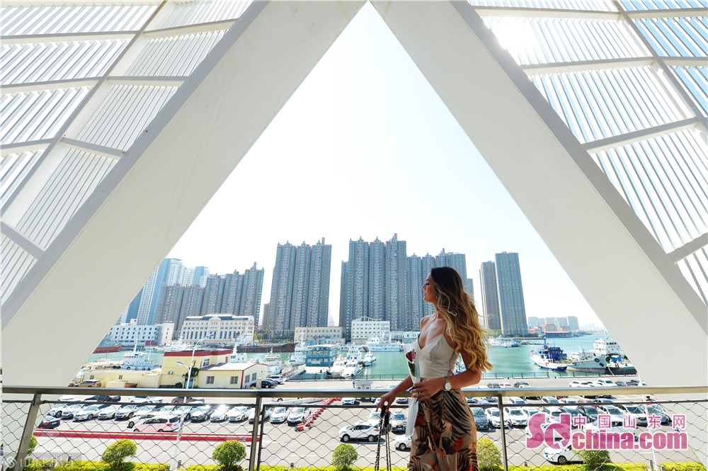 A contestant participate in a trailer shooting at Qingdao Cruise Terminal in Qingdao, east China's Shandong Province, Sept. 22, 2019.<br/>