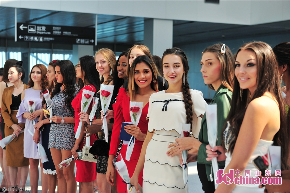 Contestants participate in a trailer shooting at Qingdao Cruise Terminal in Qingdao, east China's Shandong Province, Sept. 22, 2019.<br/>Contestants from more than 60 countries and regions will compete in the Miss Tourism World 2019 Global Finals in Qingdao, east China's Shandong from Sept. 24 to Oct. 6. Ten activities including gathering ceremony and into-the-city ceremony will be held during the contest. The event will be conducive to improve the international popularity and reputation of Qingdao.<br/>