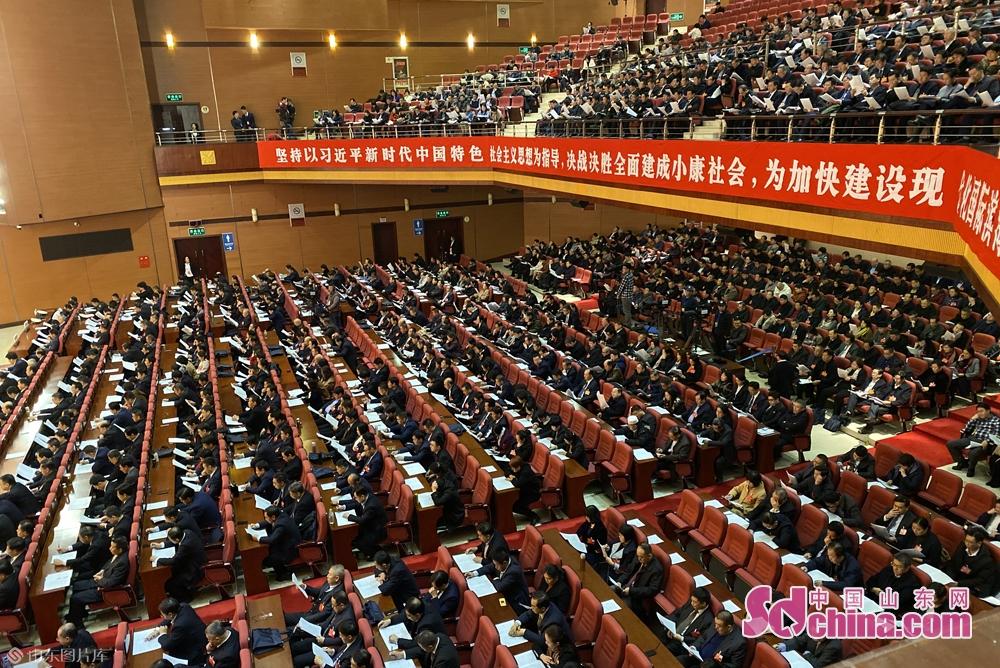 <br/>  456名代表出席了会议,符合法定人数。<br/>