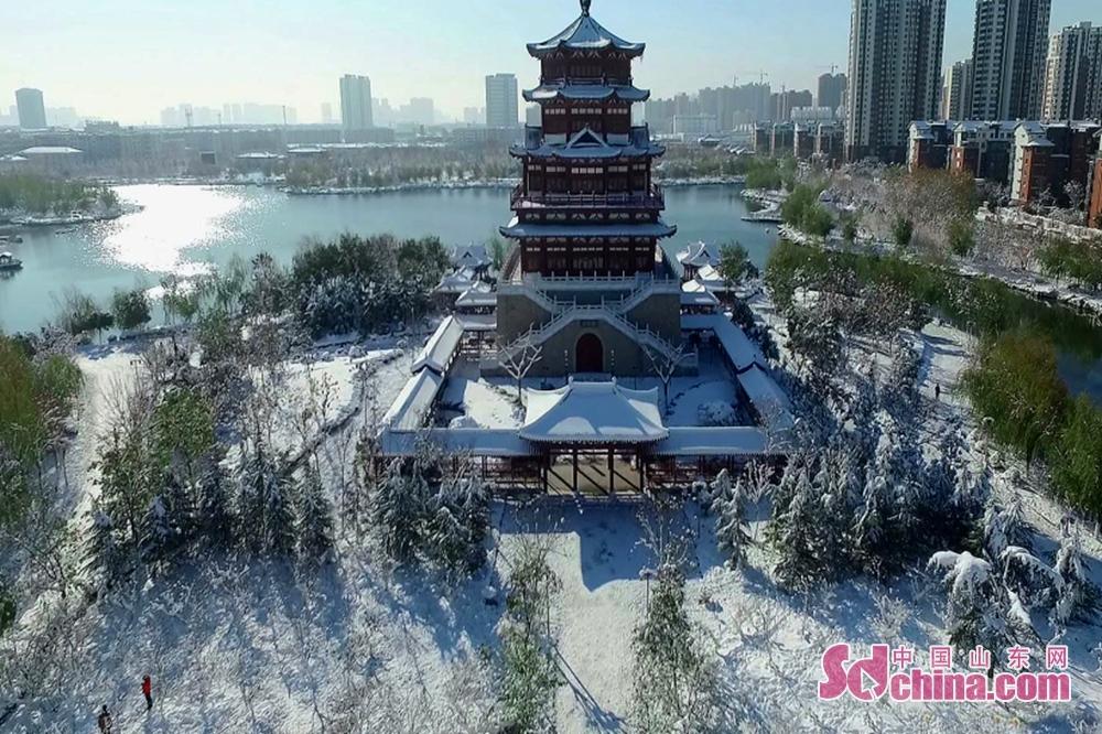 <br/>  济宁王母阁雪景(摄影 张六一)<br/>