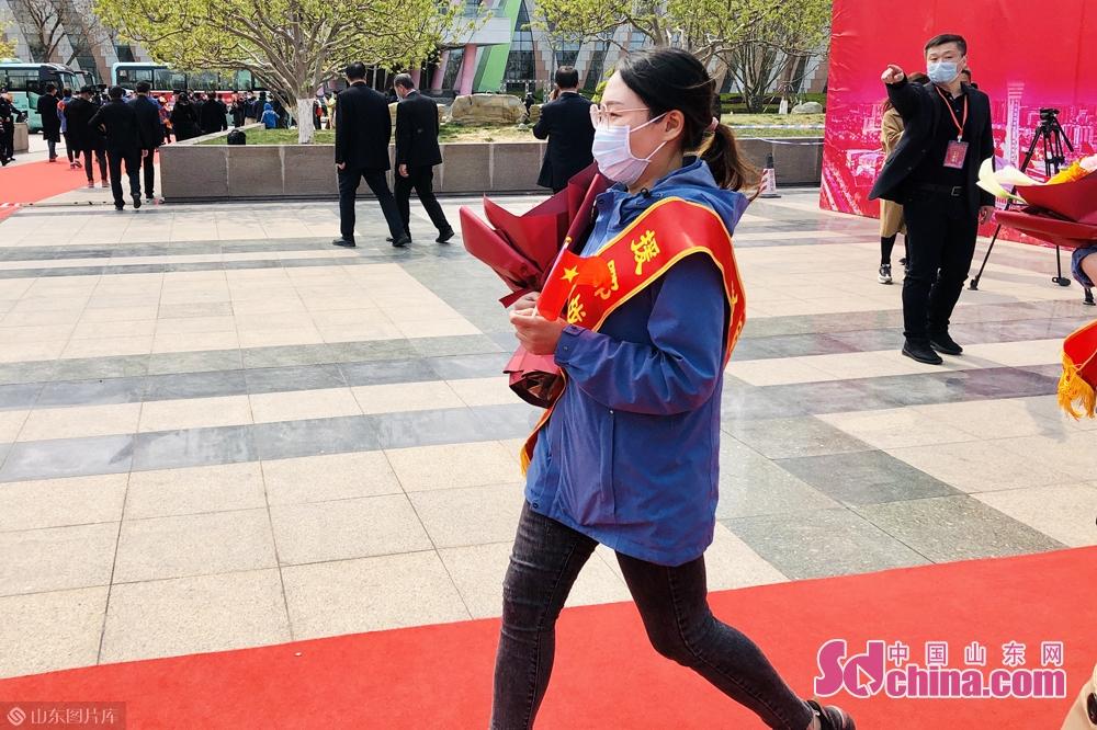 <br/>  4月1日,26名队员结束集中休整,回到潍坊。<br/>