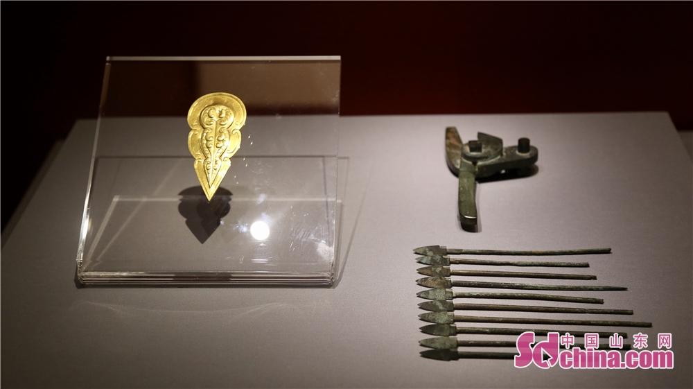 山東博物館は陝西省の各文化・博物館機構と緊密な協力関係を築いており、2015年に、秦始皇帝兵馬俑博物館は山東省の特色ある斉文化展を開催して、両地域の人々は似た歴史的内容を持っている。