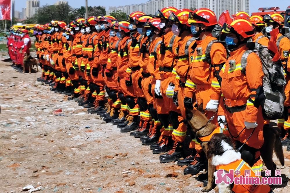 <br/>  此次演练严格按照&ldquo;练为战&rdquo;的指导思想,检验了青岛市大型灾害事故处置能力,积累了联合救援经验,优化了地震救援力量,不断提升快速反应、力量投送、指挥决策、生命搜救等能力。
