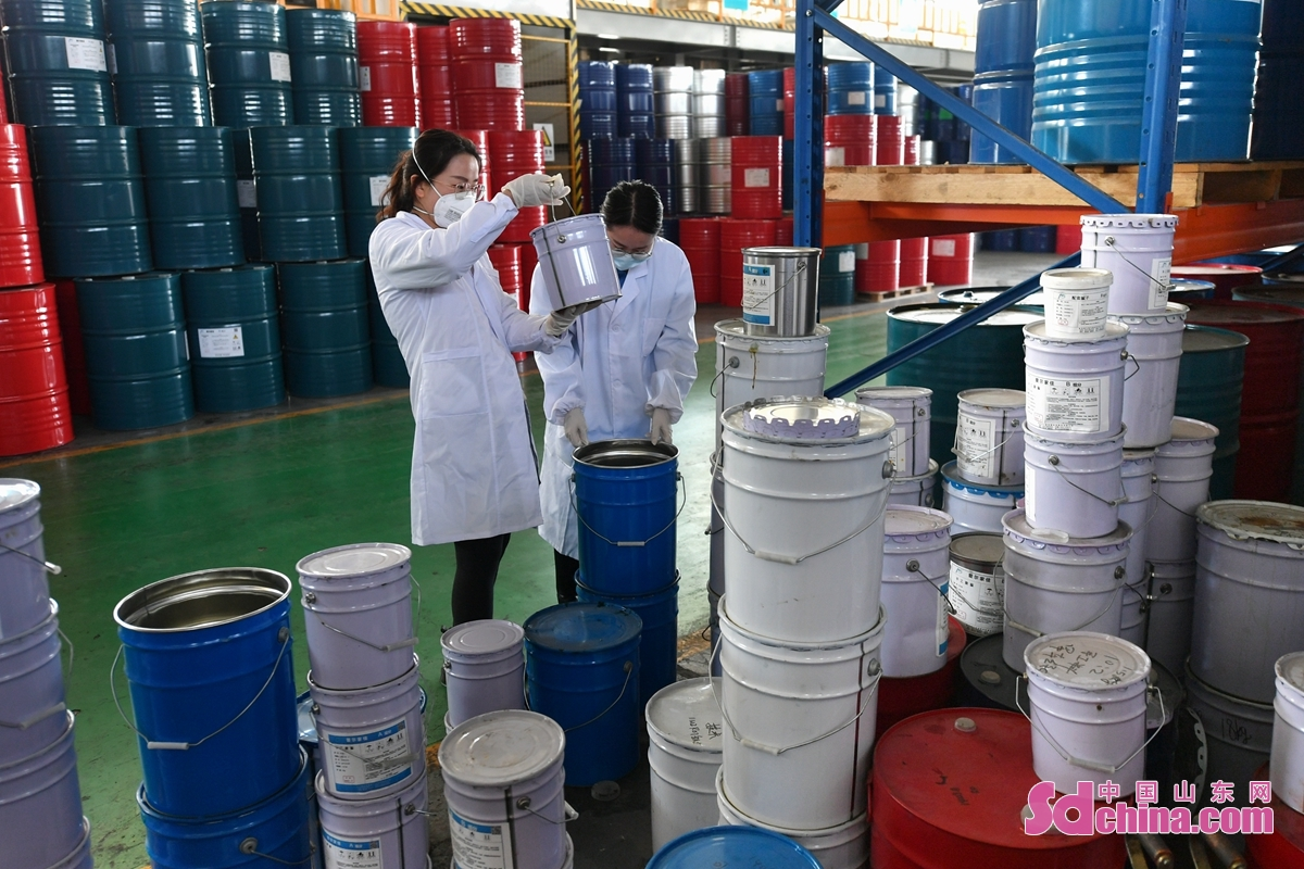 After the Spring Festival, high-tech enterprises in Qingdao, East China's Shandong Province, went into full production to meet market demand. (Photo by Wang Haibin)<br/>