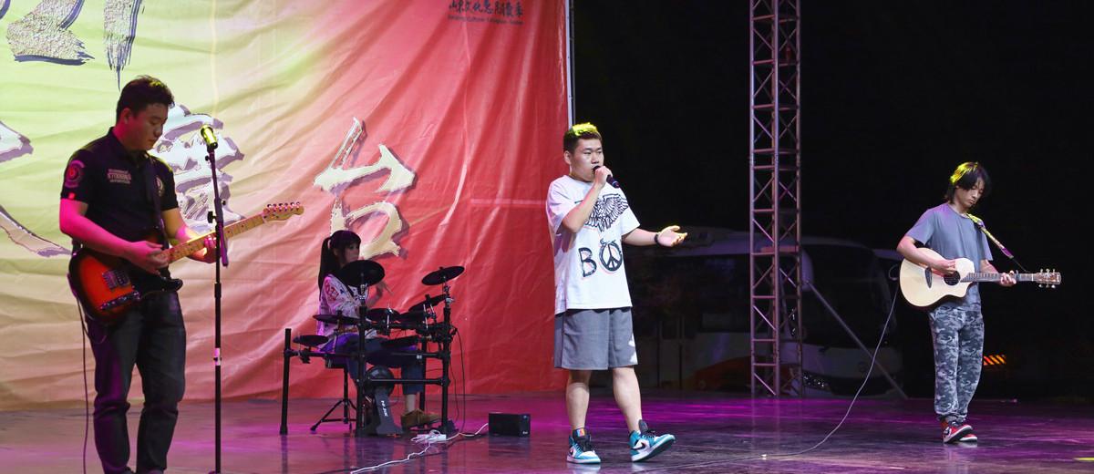 相约消费季 百姓大舞台:济南街头艺人在山东省文化馆献上专场音乐会