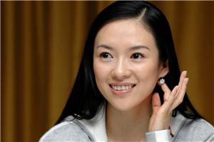 章子怡盼观众关注演员背后努力 坦言家庭美满让自己拥有好心态