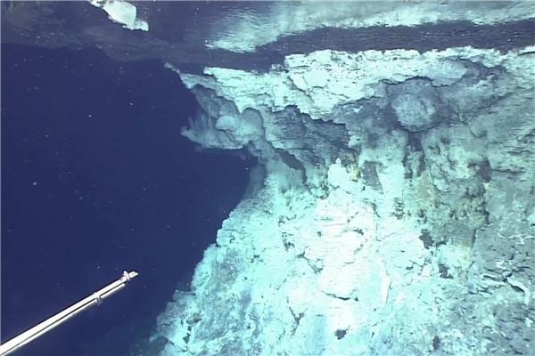 中国科学院 首次在深海热液区发现气态水