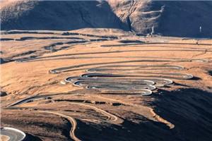 珠峰108拐:世界之巅的景观大道