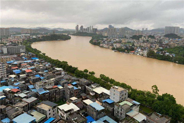 我国全面进入汛期 15省份84条河流发生超警洪水