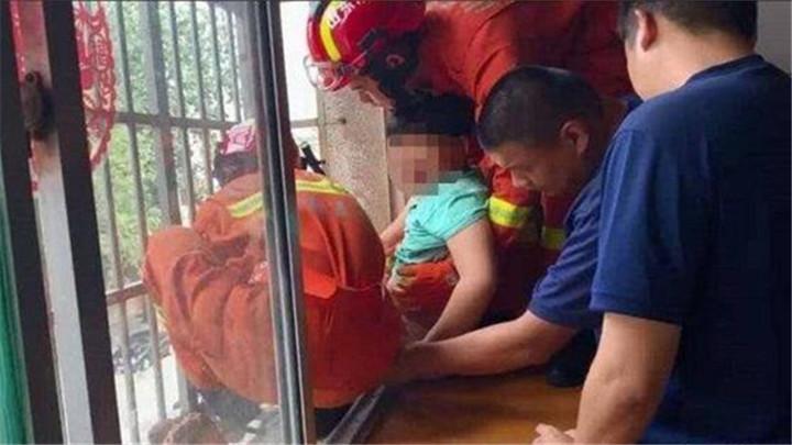 关注儿童安全 儿童被卡事故频发 家长需加强看护