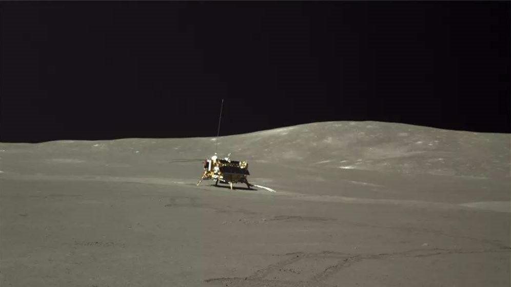 """""""玉兔二号""""又上线了!继续月球背面探索之旅"""