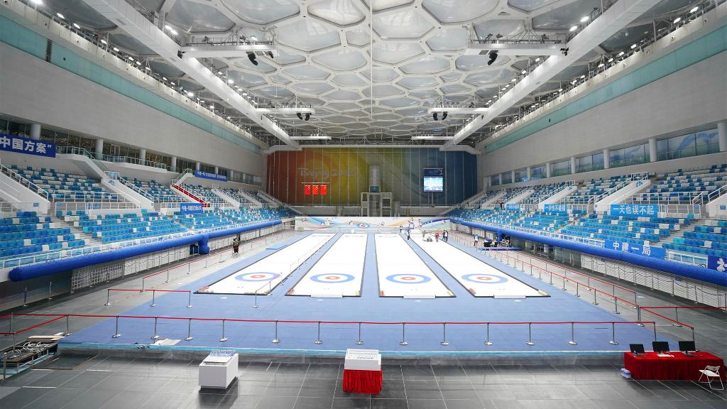 外国网友探访北京冬奥会场馆 点赞中国品质