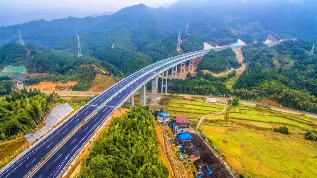 三部委联合发布 全面推广高速公路差异化收费