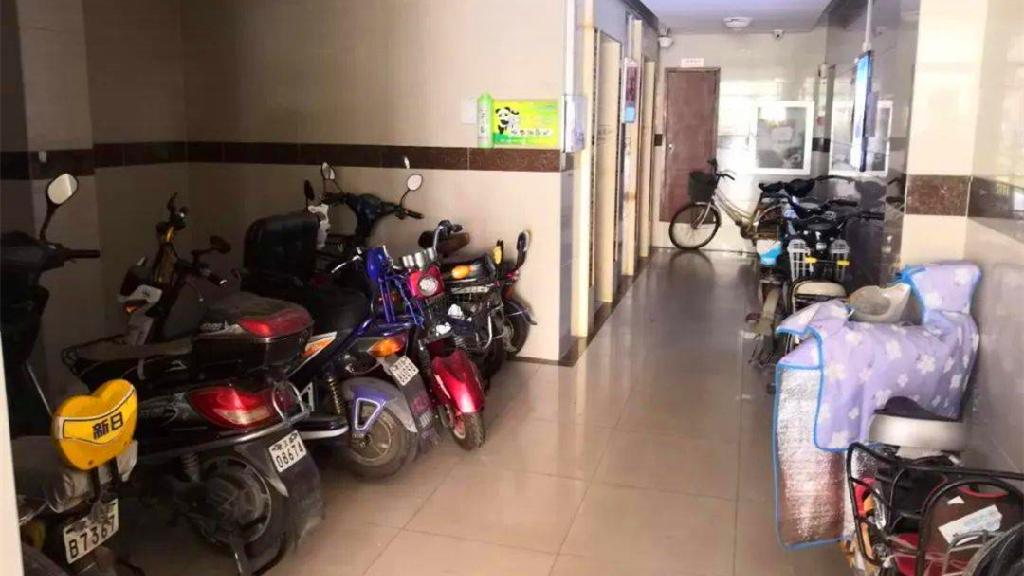 8月1日起 禁止在公共区域停放电动自行车和充电