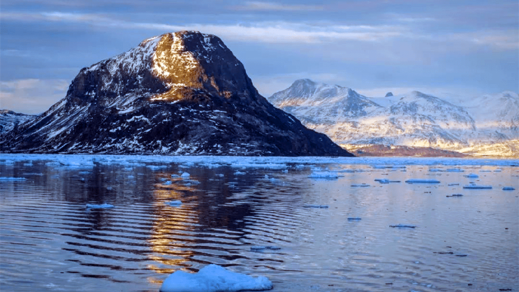 每天融冰约80亿吨 高温致格陵兰冰盖大面积融化