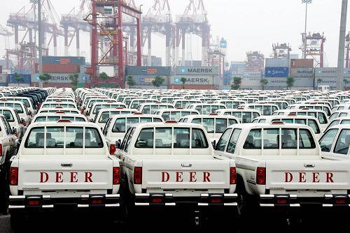1300辆国产长城皮卡汽车出口非洲高清图片