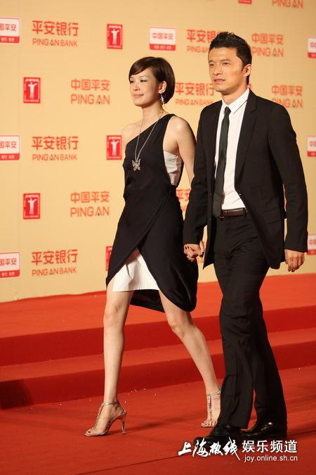谢晖夫妇亮相上海电影节