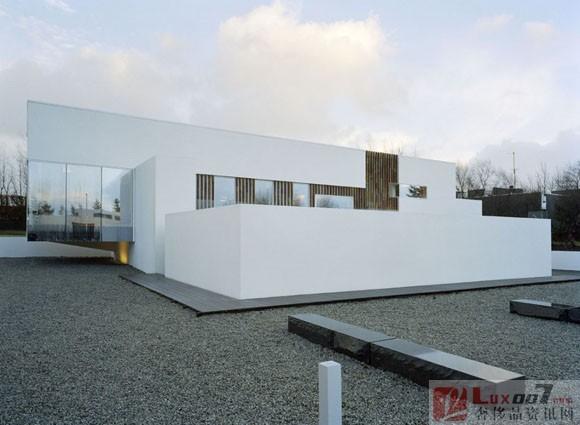 冰岛的极简主义别墅