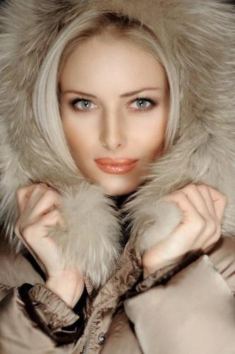 世界夫人选拔赛 俄美女当选最美媳妇 竖