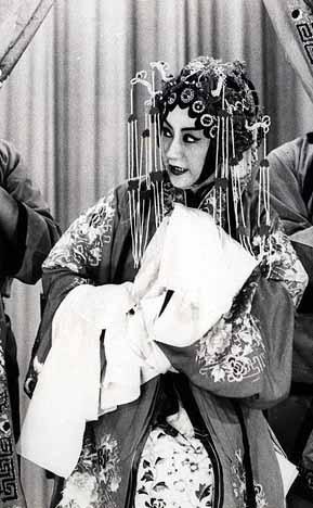 蒋经国一生追求不到的女人 - 万代兰晓 - 万代兰晓