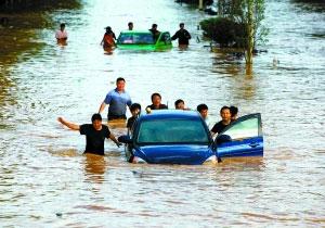 云南马龙县城被淹 5万余群众受灾损失3亿元高清图片