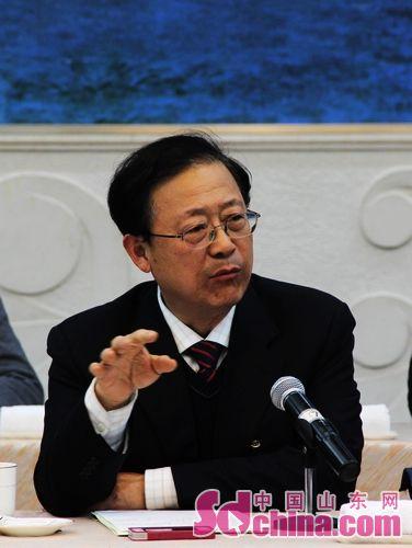 省政協委員討論兩院報告