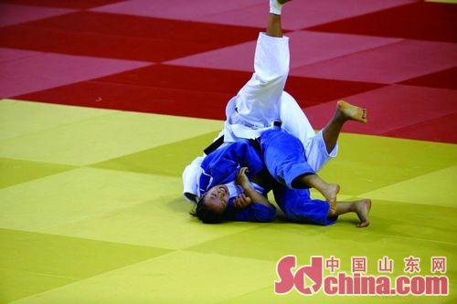 全运柔道比赛鏖战13分钟 徐丽丽惊险夺冠