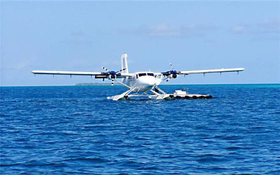 搭乘水上飞机