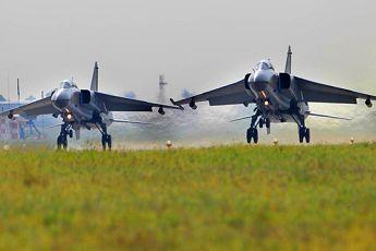 """""""和平使命—2014"""":中方空军战斗群升空训练"""