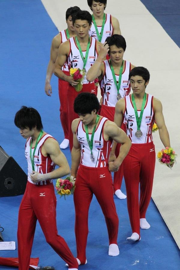 直击第45届体操世锦赛:日本男团失落领奖