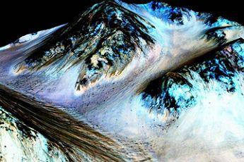 火星现液态水证据