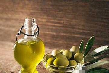 饭中一滴橄榄油50不显老