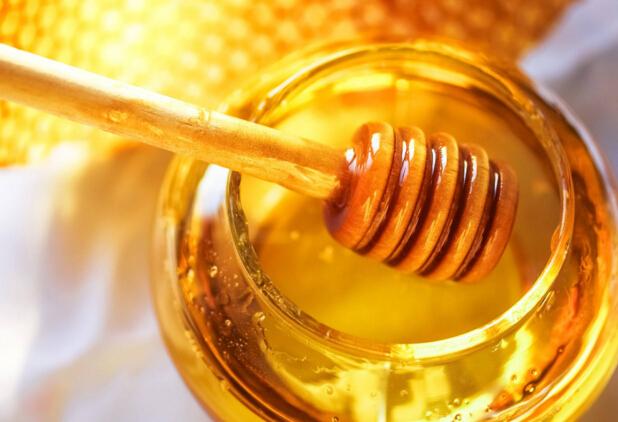 春季喝蜂蜜远胜顶级补品 但三类人吃蜂蜜反有毒